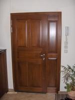 Πόρτα εξωτερική  μασίφ καρυδιά